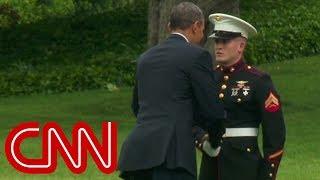 getlinkyoutube.com-Obama forgets to salute