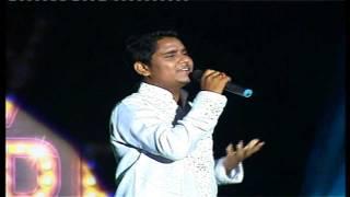 Melodious Kamal Khan Singing 'Ishq Sufiyana'