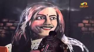 getlinkyoutube.com-Amazing speed painting by Vilas Nayak | DK Bose Audio Launch | Sundeep Kishan | Nisha Agarwal