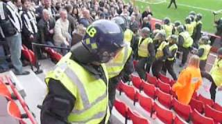 getlinkyoutube.com-Sunderland 2-1 Newcastle Utd - Crowd Trouble - 25/10/08