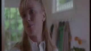 getlinkyoutube.com-The hand that rocks the cradle - Marlene descubre a Peyton