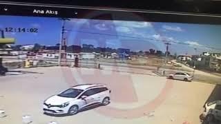 Karasu ilçesindeki kaza güvenlik kameralarına yansıdı