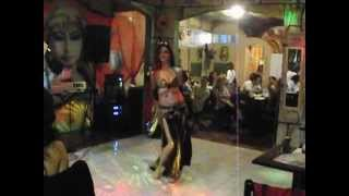getlinkyoutube.com-Countess Vanora & Shaker Akiki at Al Maual - Min Habibi Ana / Kel Elli Bichufak