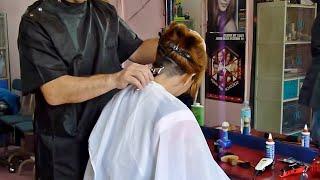 getlinkyoutube.com-Barbershop girl buzzcut and shave
