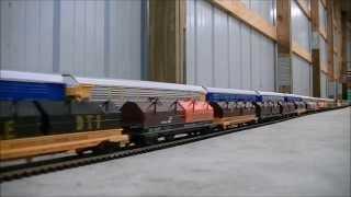 getlinkyoutube.com-EPIC WORLD RECORD LONGEST MODEL HO SCALE TRAIN 1,662 cars 25 Locomotives