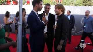 getlinkyoutube.com-Trolling Celebrities with Shake it Off Lyrics | Lyrics on the Red Carpet