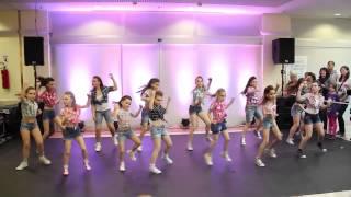 getlinkyoutube.com-Timber by ChikaZ Kids (Dancing steps, 22.03 - Tower) HD