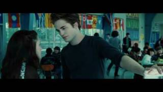 getlinkyoutube.com-Twilight Cafeteria Scene: Edward So Sexy, but... Vampire can sweat?