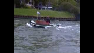 getlinkyoutube.com-Opduwer Wilfred op het Amsterdam-Rijn kanaal