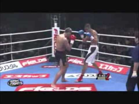 peter grahams rolling thunder vs badr hari`s spinning heel kick!!