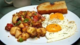 Classic Breakfast: Perfect Eggs & Potato Hash Recipe!