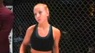 getlinkyoutube.com-Gina Carano vs Leiticia Pestova