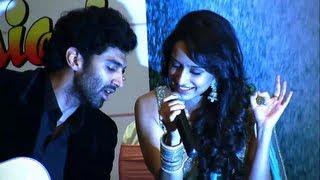 getlinkyoutube.com-Aditya Roy Kapur And Shraddha Kapoor Live Performance!- Aashiqui 2