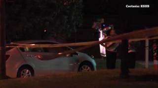 Un hombre muere después de acostarse en la calle y ser impactado por un coche