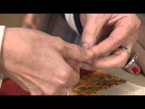 Vida Melhor - Artesanato: Almofada em patch com barrado bordado (Rosana Pardo)