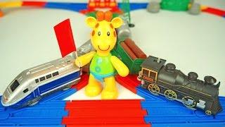 getlinkyoutube.com-Пластилиновая Азбука. Мультик про паровозики и железную дорогу. Лепим букву П. Мультфильм для детей.