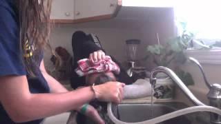 getlinkyoutube.com-How I Wash my sisters hair!