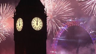 getlinkyoutube.com-London Fireworks 2016 /2017 - New Year's Eve Fireworks - BBC One