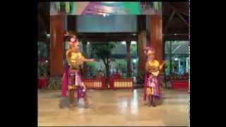 getlinkyoutube.com-Tari Midat-Midut Bella & Amel