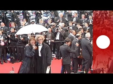 Rain doesn't ruin red carpet at first weekend of Cannes