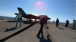 getlinkyoutube.com-Ordumuzun En Güçlü Silahı F35 ( F-35B Ship Suitability Testing ) HD