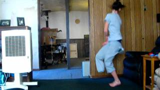 getlinkyoutube.com-ONE-LEGGED GIRL DANCING
