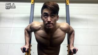 getlinkyoutube.com-[가슴운동] 깊은 가슴골 만드는 밴드운동 루틴
