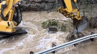 getlinkyoutube.com-Boulder Colorado Floods 2013 Help has arrived!  4 mile canyon pt3
