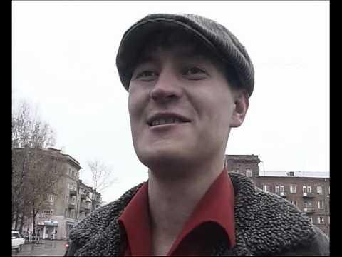 Синий гопник даёт интервью в Алексине