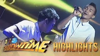 getlinkyoutube.com-It's Showtime PINASikat: BMP belts out Air Supply