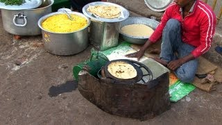 getlinkyoutube.com-Indian Street Food in Old Delhi - Gali Paranthe Wali, Naan Bread and Spice Market