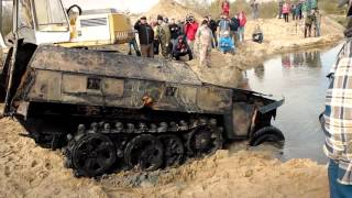 getlinkyoutube.com-Wydobycie/Recovery of Sd.Kfz. 250 Ausf Neu i Sd.Kfz. 7 PANZER FARM