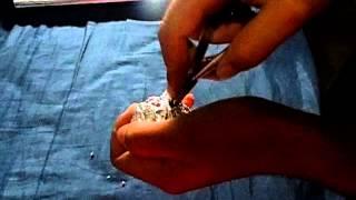 getlinkyoutube.com-como amolar meu alicate de unha com papel aluminio