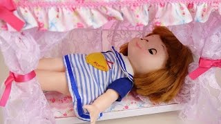 getlinkyoutube.com-Baby doll princess bed and baby sitter toys play