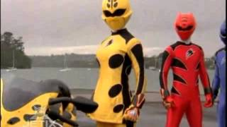 getlinkyoutube.com-Power Rangers Jungle Fury - Yellow Ranger Morph 1