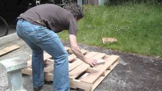 getlinkyoutube.com-How to dismantle a pallet without splitting it, without special tools, and recover the nails