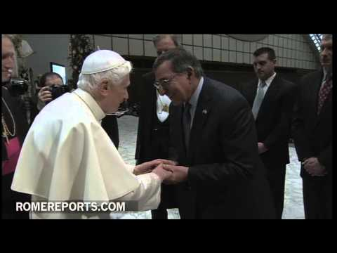 Pope greets U S  defense secretary following general audience