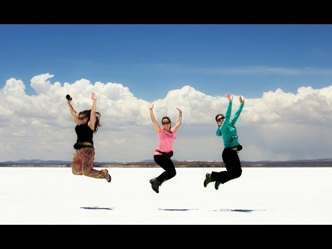 Amazing Views of Salar de Uyuni / Bolivia