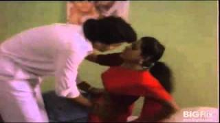 getlinkyoutube.com-Tamil patient getting navel checked by doctor