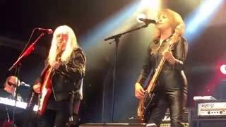 getlinkyoutube.com-Suzi Quatro Can the Can featuring Andy Scott - Concert at the Kings 2016