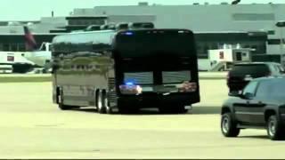 getlinkyoutube.com-President Barack Obama's $1.1 Million Armored Black Bus