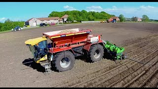 getlinkyoutube.com-Wijnen Lite Trac SS2400 | 8-row Self Propelled Potato Planter |  pootmachine | kartoffel legen