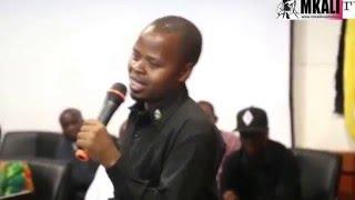 Mtazame Kijana akiigiza sauti YA Magufuli