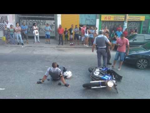 Batida moto na rocam na Alameda Dom pedro de Alcântara