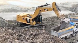 getlinkyoutube.com-Caterpillar 390F Excavator Loading Mercedes Arocs Trucks