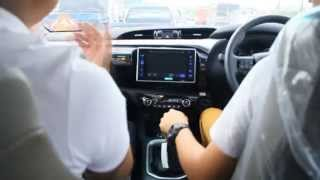 getlinkyoutube.com-Toyota Hilux REVO (ทดลองขับ)