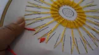 getlinkyoutube.com-puntada fantasia flor de sol 2
