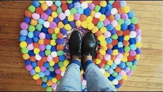getlinkyoutube.com-Como Hacer un Tapete de Pompones | Live Colorful