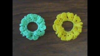 getlinkyoutube.com-Dona para el cabello tejida a crochet.
