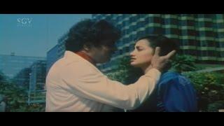 Ambarish || Sumalatha || Lip Locks In Public || Hongkongnalli Agent Amar Kannada Movie